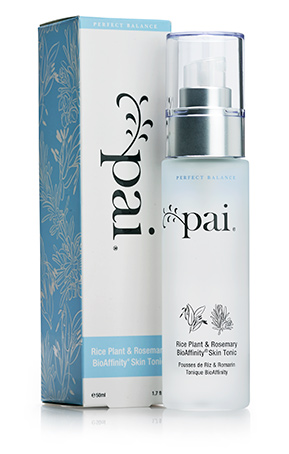 Mist this on for a moment of spa-like calm that brightens and soothes skin.