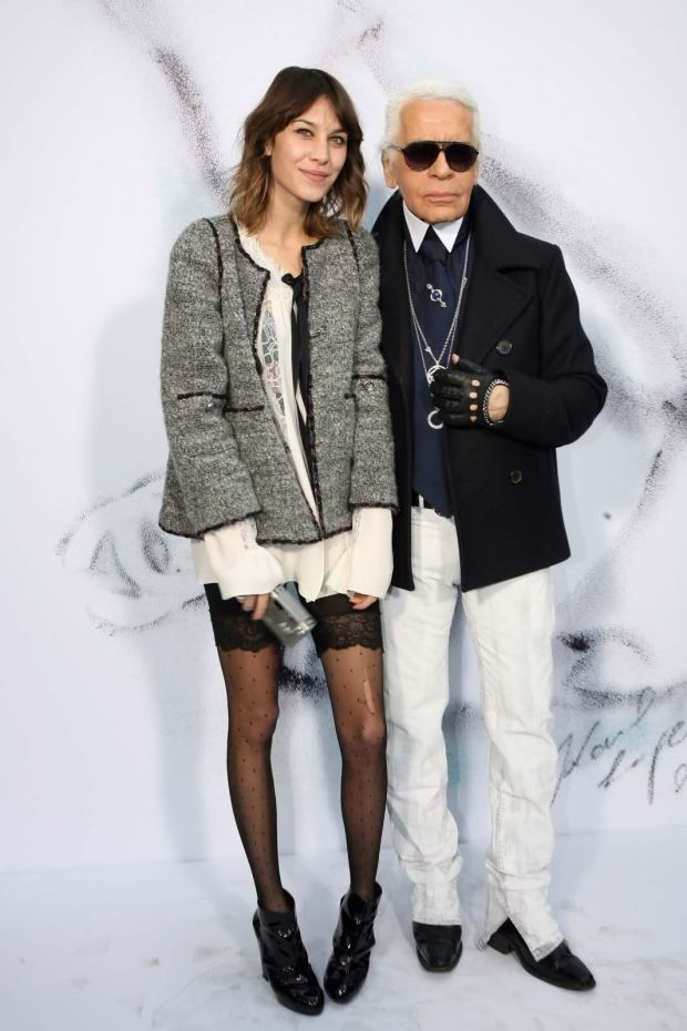 Alexa Chung shows us her style points, standing next to King Karl, no less.