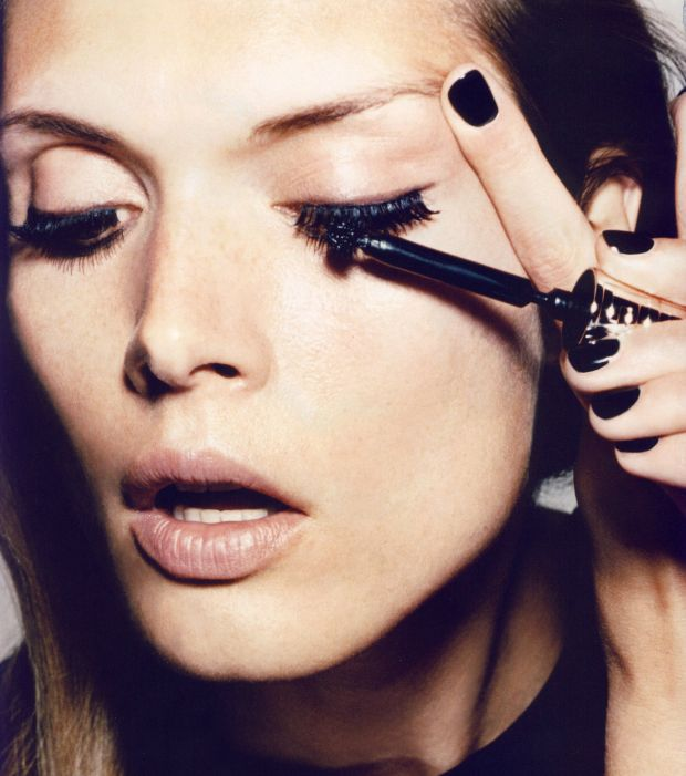 Glossy lashes by Givenchy (and Tom Pêcheux)