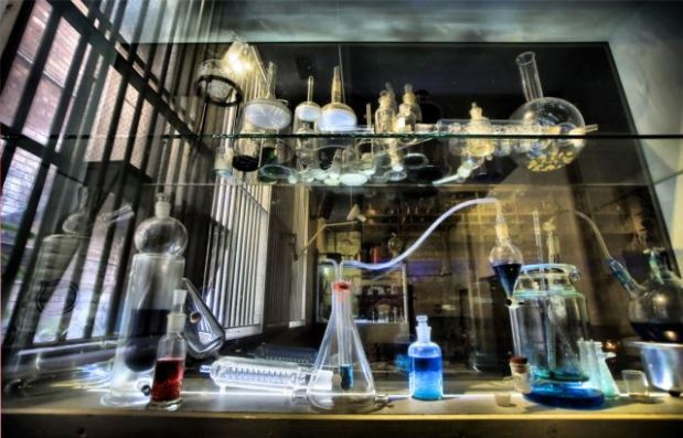 Mad science cocktails at The Croft Institute; image courtesy of thecroftinstitute.com.au